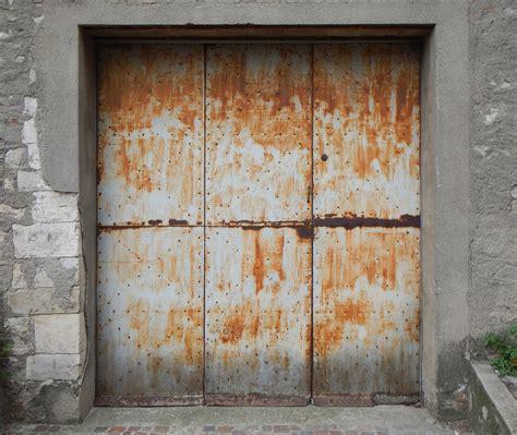 Rust Problems On Your Garage Door Panels