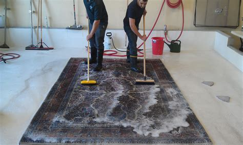 How To Clean A Large Rug by How To Clean Large Area Rugs How To Clean Area Rugs With