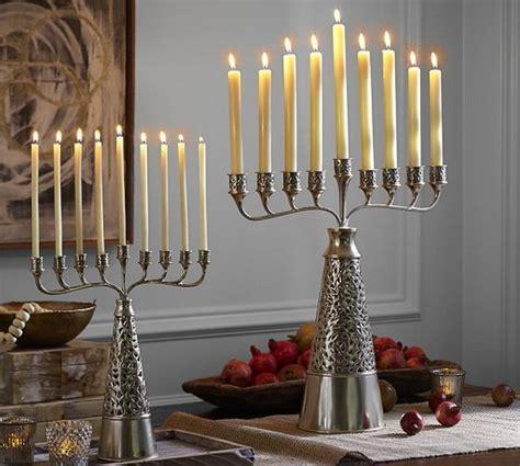 Hannukah Decorations by 70 Classic And Hanukkah Decor Ideas Family