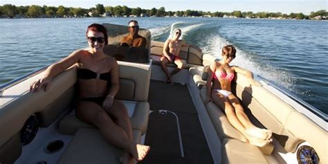 four seasons lake of the ozarks boat rental boat rentals at lake of the ozarks make a reservation