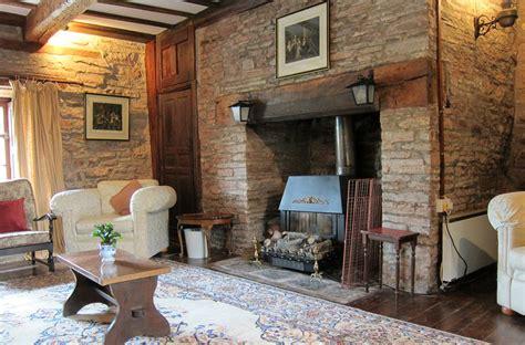 Nook Dining Room Set Alexanderstone Manor Alexanderstone