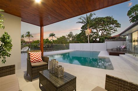 gold coast builders renovation specialists at constructions