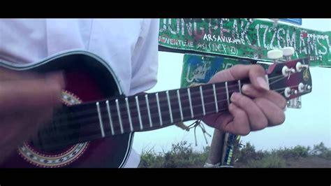 chord lagu laskar pelangi ukulele