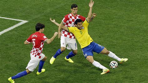 brasil x croacia brasil 3x1 cro 225 cia o jogo em que uma queda salvou a