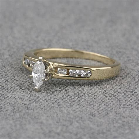 pre owned 14 karat yellow gold engagement ring