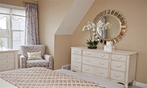 How To Decorate A Bedroom With Mirrored Furniture by Dresser Ideas Bedroom Dresser With Mirror Decorating