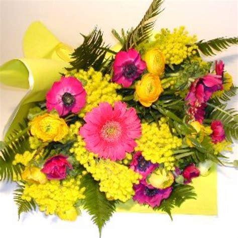 corflor mimosa con gerbere e fiori di co