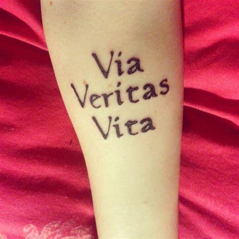 tattoo em latin as 11 melhores imagens em tatto no pinterest ideias de
