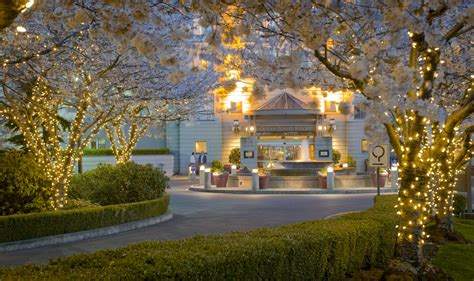 delta hotels  marriott victoria ocean point resort spa