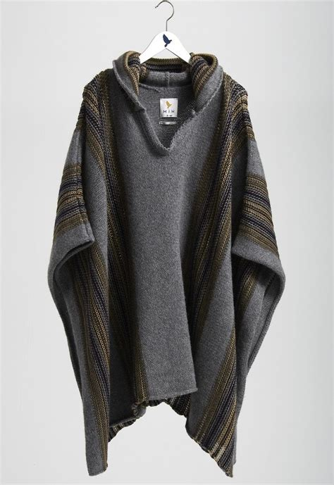mens poncho knitting pattern 25 best ideas about hoods on assassins creed