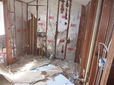 cost to gut a house to the studs our quot murder quot bathroom total renovation diydork com
