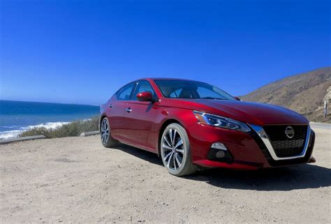 drive  nissan altima review