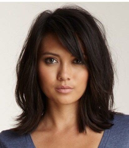 below shoulder simple layered hair style best 25 shoulder length layered hair ideas on pinterest