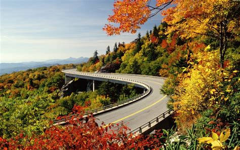 best scenic road trips in usa blue ridge parkway carolinas and virginia america s