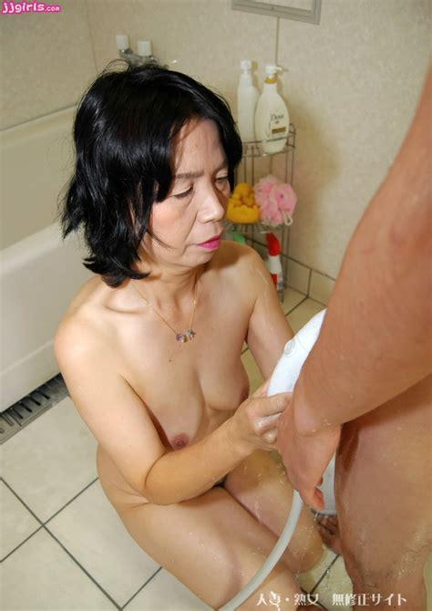 Thumbnow Japanese Babe Kanae Abe Erotic Photo