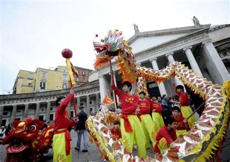 cinese a il capodanno cinese a napoli ecco quando si festeggia