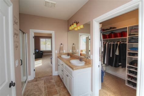 master bedroom with bathroom and walk in closet north corvallis home for sale 29456 newton road corvallis oregon 97330