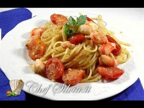 come si cucina la bottarga come preparare gli spaghetti con gamberi e bottarga
