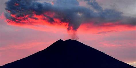 detiknews gunung agung hari ini hari ini gunung agung 2 kali gempa tremor hingga