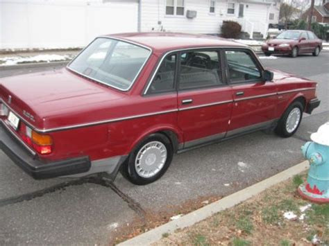 buy   volvo  dl red  owner  accident  franklin square  york united