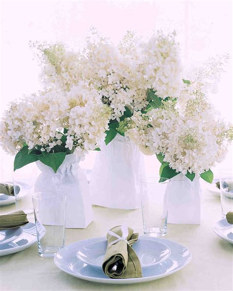 Flower Wedding Table Centerpieces by Affordable Wedding Centerpieces That Still Look Elevated