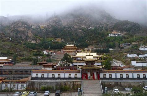 The Place Gling Gonlung The Treasury Of Lives Biographies Of Himalayan Religious Masters