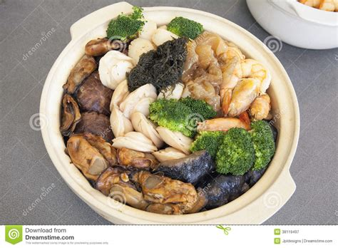 new year food cantonese poon choi cantonese big feast bowl royalty free stock