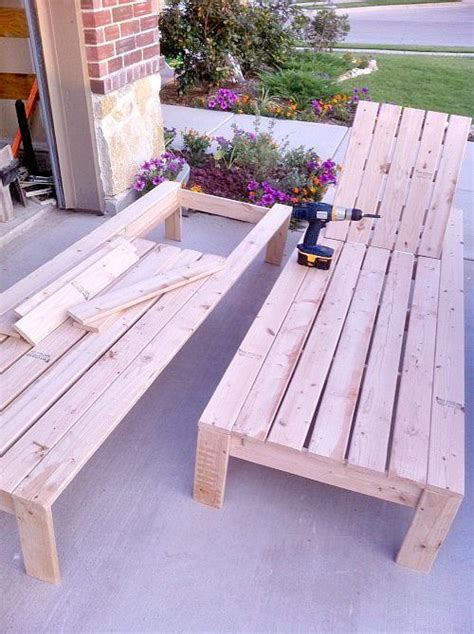 how to build a chaise lounge best 25 pallet chaise lounges ideas on pinterest
