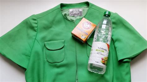 does vinegar really remove stains from vintage clothing
