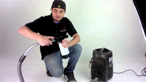 Whats A Upholstery Cleaner by How To Use The Held Upholstery Shooer Sprayer For