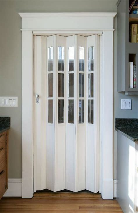Accordion Bathroom Door by Best 25 Accordion Doors Ideas On Bifold Doors