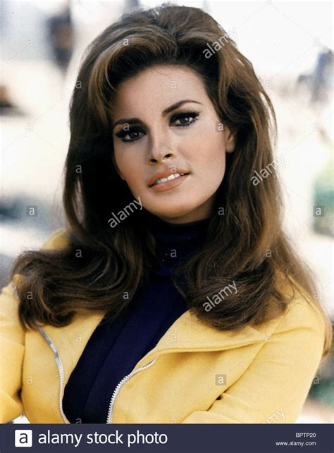 raquel welch images raquel welch stock photos raquel welch stock images alamy