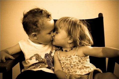 wallpaper couple with baby best baby collections baby couple wallpapers baby kiss