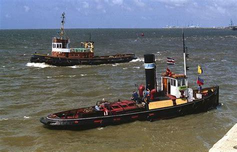 tug boat kerne rea tug quot coburg quot and steam tug quot kerne quot off gladstone lock