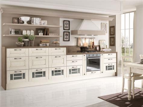 cuisine t駑駻aire cuisine en bois classique cucinelube avec une touche luxe
