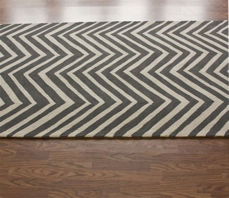 chevron grey rug decorating ideas awesome image of rectangular zigzag pattern grey chevron rug on solid oak