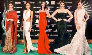 Two New Blogs With Style Aisledash And Greendaily by Of The Year Deepika The Green Carpet In