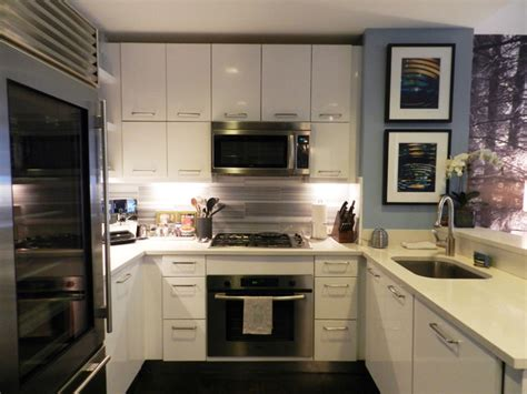 Modern Kitchen Cabinets Nyc My Houzz Bachelor S Nyc Pad Contemporary Kitchen New York By Frances Bailey