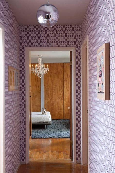 Supérieur decoration couloir moderne #1: 0-couloir-retro-baroque-chic-sol-en-parquet-clair-interieur-moderne-idee-deco-couloir.jpg