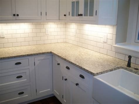 White Kitchen Cabinets With White Backsplash with Backsplash Ideas For White Kitchen Cabinets Home