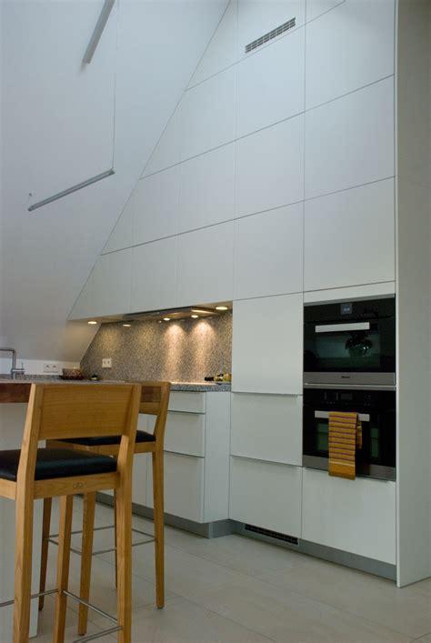 offene küche wandfarbe f 252 r graues sofa