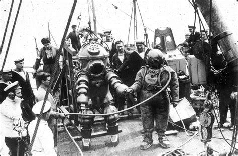 dive suit diving suit
