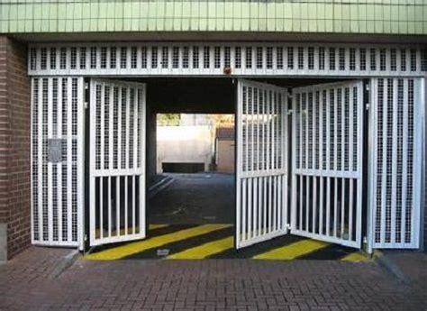 gates  garage  warehouse doors