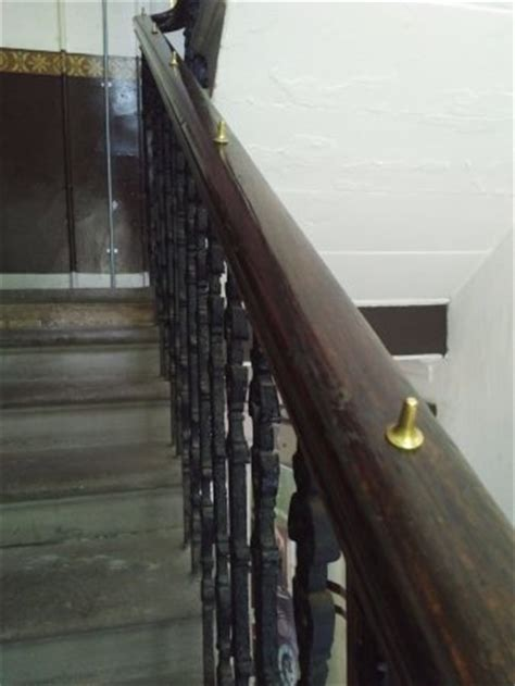 sliding down the banister tenement house glasgow scotland top tips before you go