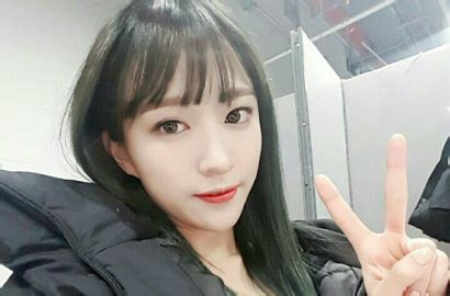 Kaos Exid Korea Kpop bentuk wajah alami perubahan hani exid disebut oplas pipi