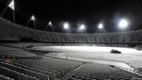news in pictures olympic 2012 stadium lit up