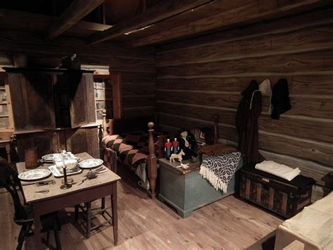 one room cottages pioneer one room cabin interior bing images cabins