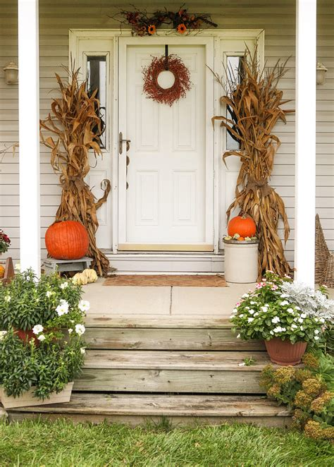 Decorating Your Front Door 67 And Inviting Fall Front Door D 233 Cor Ideas Digsdigs