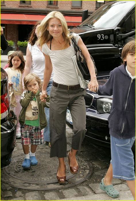 pictures of kelly ripas children 145 best kelly ripa style images on pinterest clothing