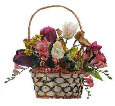 stock fiori artificiali cestino di vimini con i fiori artificiali fotografia stock